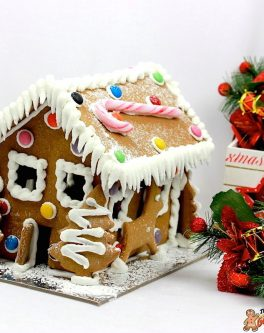 BESTSELLER Traditional Gingerbread House