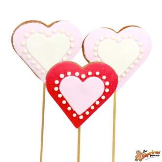 Cookie pops red and pink hearts