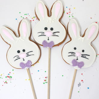 Bunny Face Cookie Pops