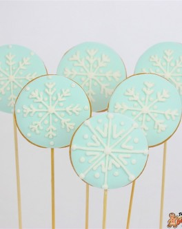 Round Snowflake Cookie Pops