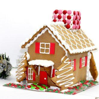 Gingerbread Medium American house