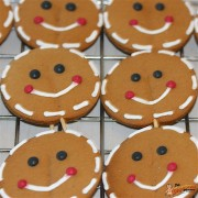 Gingerbread Face Cookie Pops 2