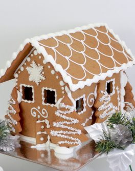 Rustic_styled_gingerbread_house